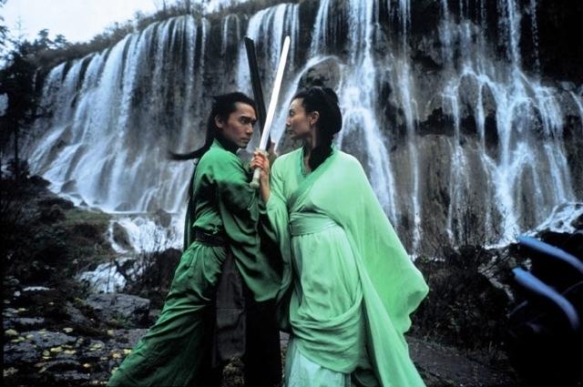 maggie-chung-e-tony-leung-chiu-wai-in-una-scena-del-film-hero-186