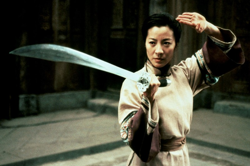 Film: Crouching Tiger, Hidden Dragon (2000), Starring Michelle Yeoh as Yu Shu Lien. MICHELLE YEOH Film 'CROUCHING TIGER, HIDDEN DRAGON' (2000) Directed By ANG LEE 16 May 2000 CTQ52726 Allstar/Cinetext/SONY **WARNING** This photograph can only be reproduced by publications in conjunction with the promotion of the above film. For Editorial Use Only