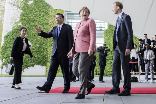 Chinese Premier Minister Li Keqiang visits Berlin