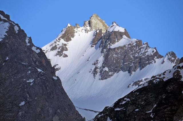 A_lovely_peak_in_Hindu_Kush_Range,_Pakistan