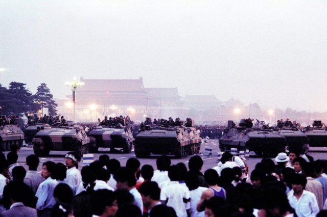 carri armati in piazza 4 giugno