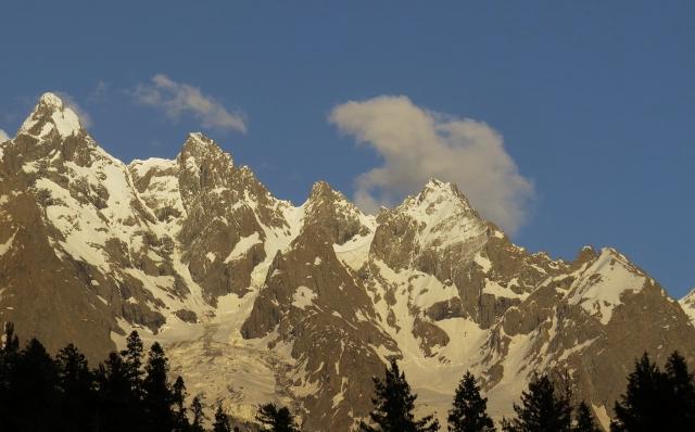 Golden_Peaks_(Hindu_Kush_Range),_Pakistan