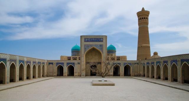 poi-kalyan-mosque