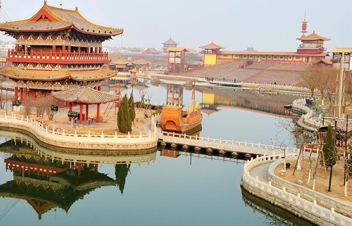 kaifeng qingming riverside landscape park